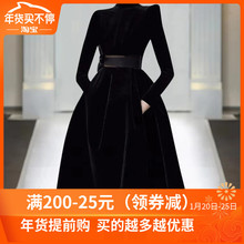 欧洲站ro020年秋nd走秀新式高端女装气质黑色显瘦丝绒连衣裙潮