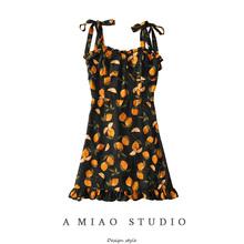 夏装新se女(小)众设计rc柠檬印花打结吊带裙修身连衣裙度假短裙