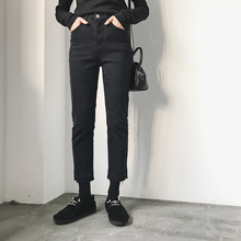 202sh年新式大码en冬装显瘦女裤2021早春胖妹妹搭配气质牛仔裤