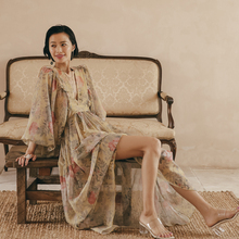 度假女ta秋泰国海边ki廷灯笼袖印花连衣裙长裙波西米亚