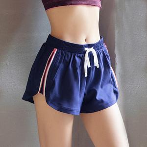 美女照我去运动 拉链边防走光运动短裤速干跑步热裤高弹健身短裤