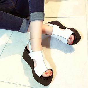 <span class=H>凉鞋</span>女2019夏季新款百搭真皮厚底中跟坡跟韩版休闲平底罗马松糕鞋