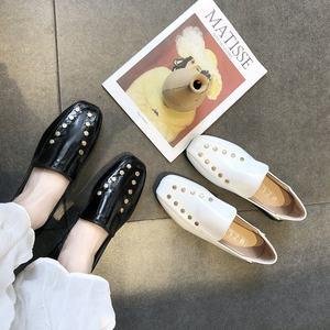 女士小<span class=H>皮鞋</span>英伦风女鞋2019春季新款铆钉方头浅口一脚蹬平底单鞋女