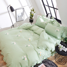 Korean screen red embroidered bed cover, bed skirt type four-piece set of Princess wind lace quilt, bed sheet, girl's heart bed linen