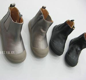 疯狂小孩韩国春儿童宝宝男女童皮靴单靴短靴加绒马丁靴雪地靴子
