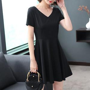 黑色短袖连衣裙V领气质时尚<span class=H>小</span><span class=H>黑裙</span>2018夏季新款收腰<span class=H>简约</span>气质女裙