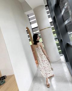 碎花<span class=H>吊带</span>雪纺连衣裙女 仙女裙2019夏季新款法式复古背带裙过膝