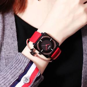 女表时尚潮流女士防水皮带<span class=H>手表</span>女学生韩版简约休闲大气运动大表盘