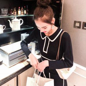 黑色针织连衣裙女秋季新款2018韩版中长款气质女神范娃娃领<span class=H>毛衣</span>裙