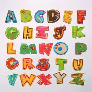 52儿童补丁贴布个性卡通布贴彩色刺绣熨烫26英文字母<span class=H>衣服</span>装饰<span class=H>贴花</span>