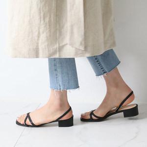 粗跟<span class=H>凉鞋</span>女低跟2018夏季新款韩版简约百搭松紧带露趾淑女罗马女鞋