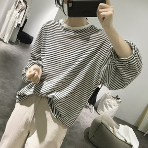 条纹<span class=H>t恤</span>女式春夏季宽松灯笼袖显瘦减龄韩版学生圆领九分袖上衣
