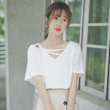 Silk Cargill Summer 2019 New Hollow-out Machine V-collar T-shirt Women Short-sleeved White Loose T-shirt Exposure Clavicle Top Tide