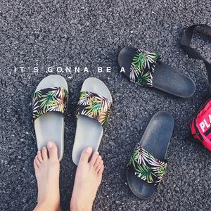 2018夏季新款情侣外穿一字拖<span class=H>拖鞋</span>男士时尚凉鞋凉拖韩版潮流<span class=H>男鞋</span>子
