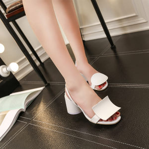 欧洲站 2019夏新款方跟<span class=H>凉鞋</span>女罗马 白色<span class=H>凉鞋</span>粗跟小码性感高跟鞋32