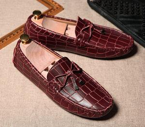 豆豆<span class=H>鞋</span>男真皮英伦时尚休闲<span class=H>鞋</span>韩版<span class=H>个性</span>懒人<span class=H>鞋</span>防滑软底青年<span class=H>流苏</span>潮<span class=H>鞋</span>
