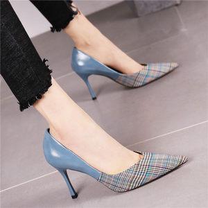 2019春季英伦风格子尖头细跟<span class=H>高跟鞋</span>女鞋欧美个性拼接时尚浅口单鞋