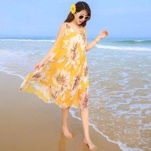 沙滩裙女夏海边度假2019新款<span class=H>连衣裙</span>波西米亚宽松雪纺大码中长款仙
