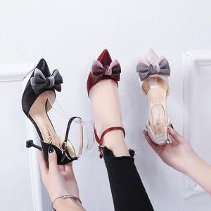 <span class=H>单鞋</span>女2019新款蝴蝶结绸缎尖头浅口细跟时尚一字式扣带百搭高跟鞋