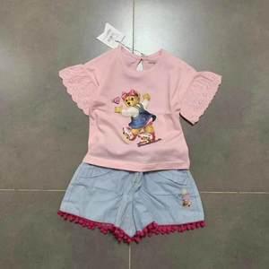 原 TW 2019夏季新款女童圆领小短袖T恤蕾丝花边熊卡通粉色上衣
