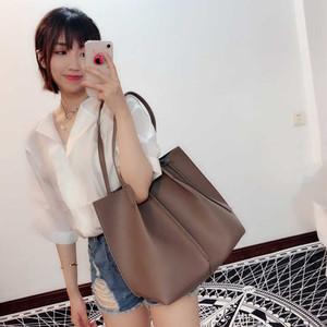 夏天大<span class=H>包包</span>女2018新款潮韩版ins超火包简约单肩包大容量托特包