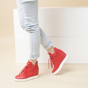 达芙妮冬季内增高高帮运动透气<span class=H>女鞋</span>加绒休闲鞋时尚坡跟清仓