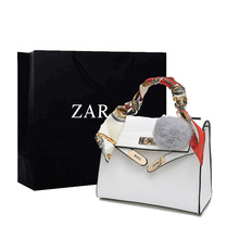 New type of 2009 European and American Carrie Bags ins Super Hotbag One Shoulder Slant Handbag Bride Bag Big Red Marriage Bag