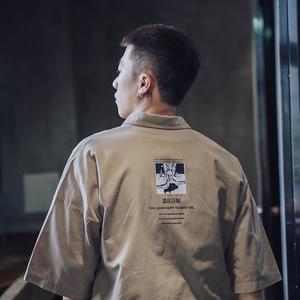 第四十九天2018夏季复古工装风印花短袖衬衫男士潮流宽松中袖衬衣