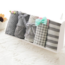 Gray Girl Underpants Pure Cotton Fabric Seamless Simple Medium and Low Waist Cute Triangular Pants Head 5 Gift Box