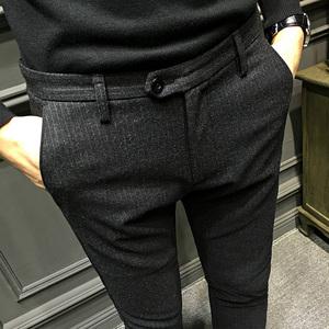 春季男士条纹修身休闲西裤男小脚裤男青年韩版黑色长裤子潮流<span class=H>男装</span>
