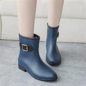 包邮女雨鞋时尚韩版中筒<span class=H>雨靴</span>秋冬防水防滑加棉保暖可脱卸平跟水鞋