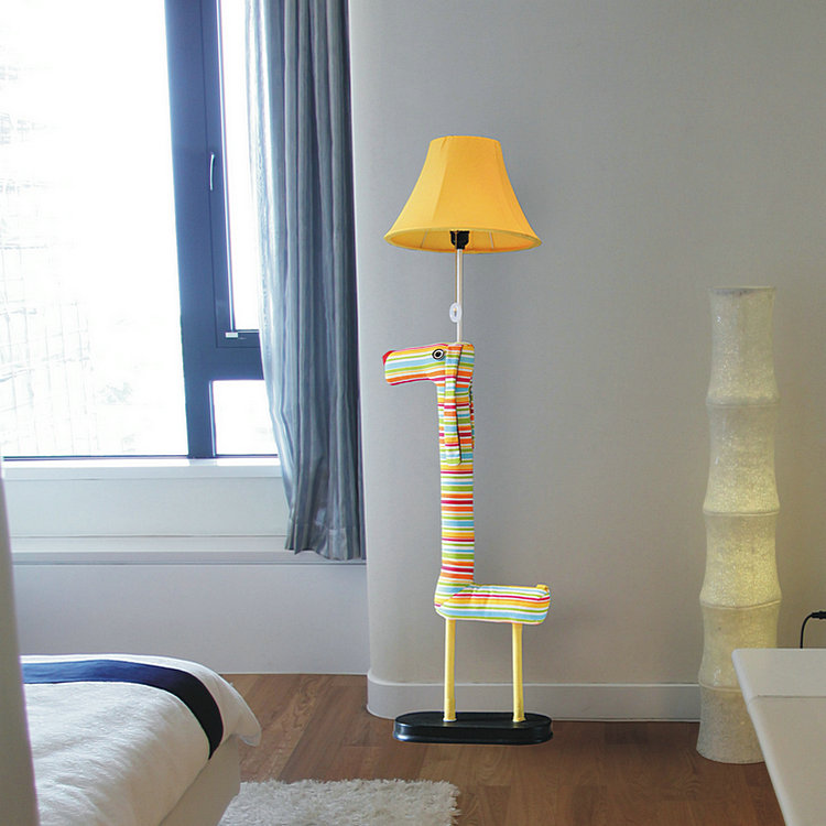 Quel lampadaire pour une chambre d enfant le guide - Lampadaire chambre ...