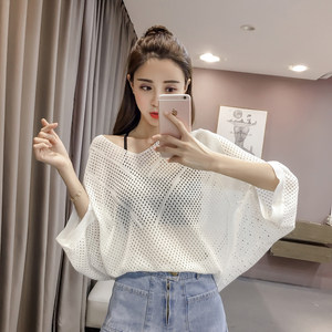 2019春装女装新款韩版v领蝙蝠袖宽松显瘦镂空性感<span class=H>针织衫</span>女打底衫