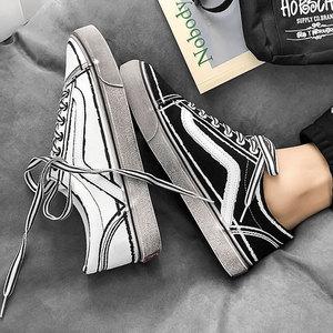 港风<span class=H>男鞋</span>子百搭ulzzang<span class=H>帆布鞋</span>学生脏脏鞋韩版原宿文艺chic港味鞋