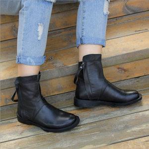 真皮<span class=H>短靴</span>女平底圆头春秋休闲单靴手工加绒牛皮低跟马丁靴软皮女靴