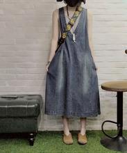 春夏式th带连衣裙吊wp中长式V领文艺复古大码宽松显瘦牛仔裙
