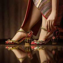 宫廷复古水钻花朵凉ve6红色中式ri秀禾鞋新娘粗跟高跟单鞋女