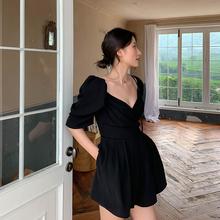 飒纳2vi20赫本风es古显瘦泡泡袖黑色连体短裤女装春夏新式女