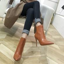 202vo冬季新式侧tf裸靴尖头高跟短靴女细跟显瘦马丁靴加绒