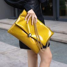 手拿包wa大容量信封mi新式潮时尚个性简约大气单肩斜跨链条包女