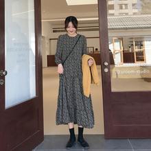 爱蔷薇wd码碎花裙秋ze宽松气质2020年新式长式裙子长裙