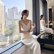 202wf春秋新式白nd温柔显瘦性感V领针织吊带长式打底连衣裙女