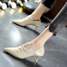 韩款尖wh漆皮中跟高cd女秋季新式细跟米色及踝靴马丁靴女短靴