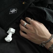SAZ 简约冷淡wo5光面戒指wo式钛钢不掉色食指戒潮流指环情侣男