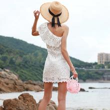 白色性wo斜肩个性连iu女夏荷叶边蕾丝露肩短裙 海边度假沙滩裙