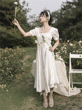 白色法wo复古方领泡ld衣裙2021新式春装仙女气质收腰茶歇长裙