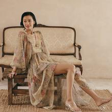 度假女xi秋泰国海边an廷灯笼袖印花连衣裙长裙波西米亚沙滩裙