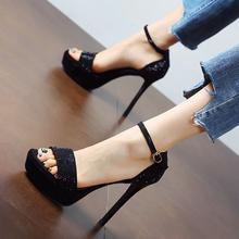 金色婚yi鞋女202hu新式露趾水钻细跟超高跟鞋防水台一字扣凉鞋