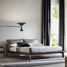 北欧实yz床现代简约ke米双的板式全轻奢矮皮日式主卧1.5米意式床