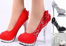 婚鞋红zh高跟鞋细跟hu年礼单鞋中跟鞋水钻白色圆头婚纱照女鞋